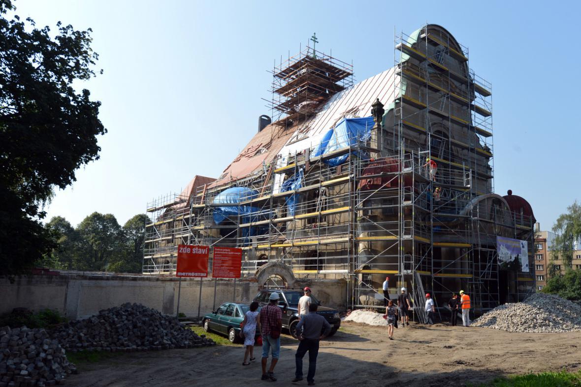Kostel sv. Máří Magdalény v Liberci během oprav v červenci 2012