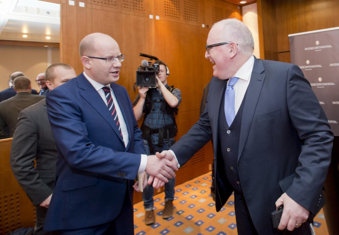 Bohuslav Sobotka a Frans Timmermans