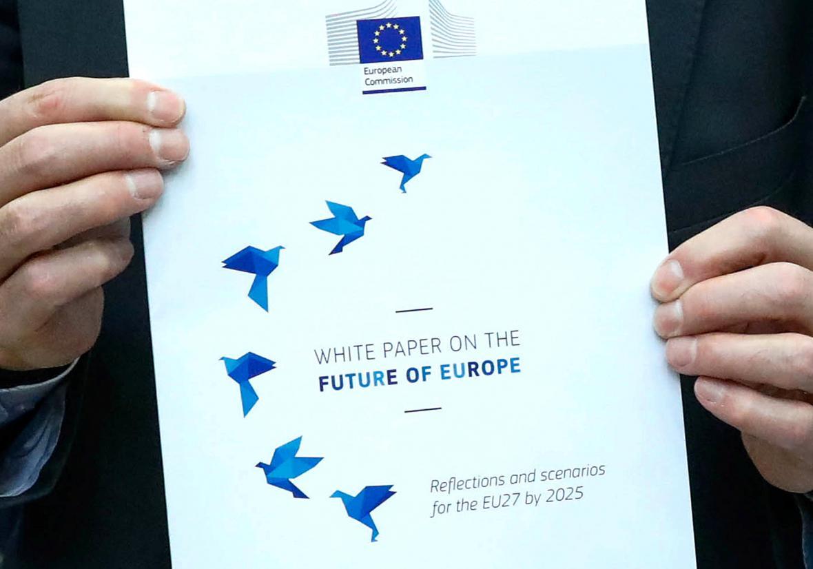 Přední strana dokumentu Evropské komise o budoucnosti EU