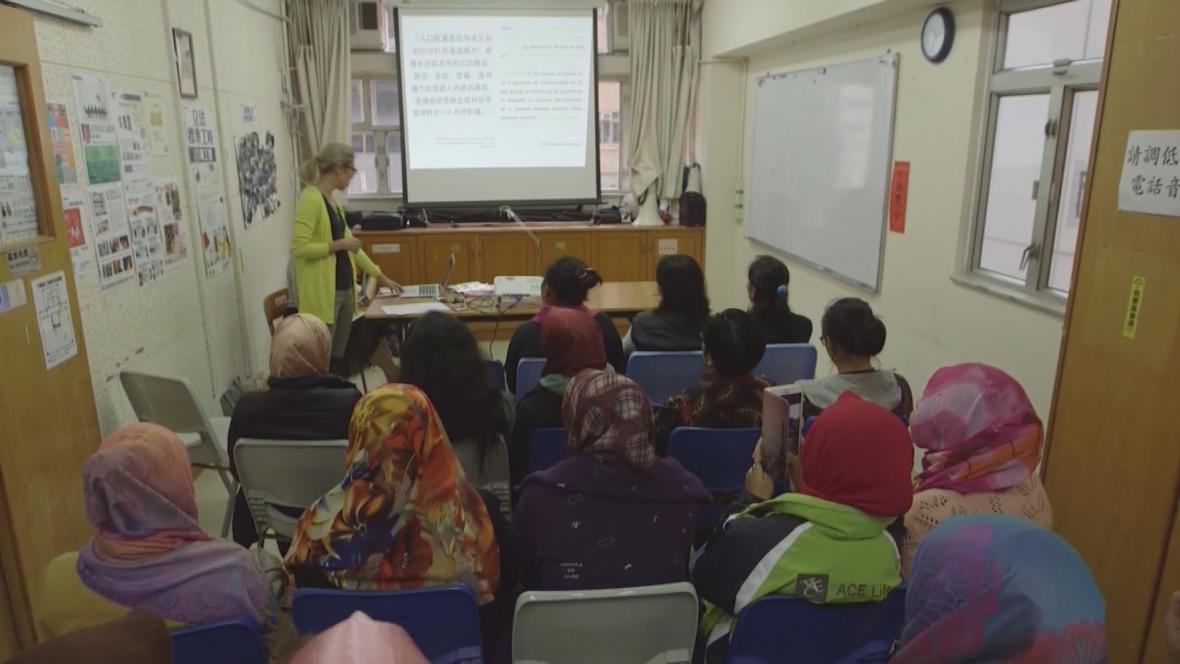 Informování žen o pracovním právu v Hong Kongu