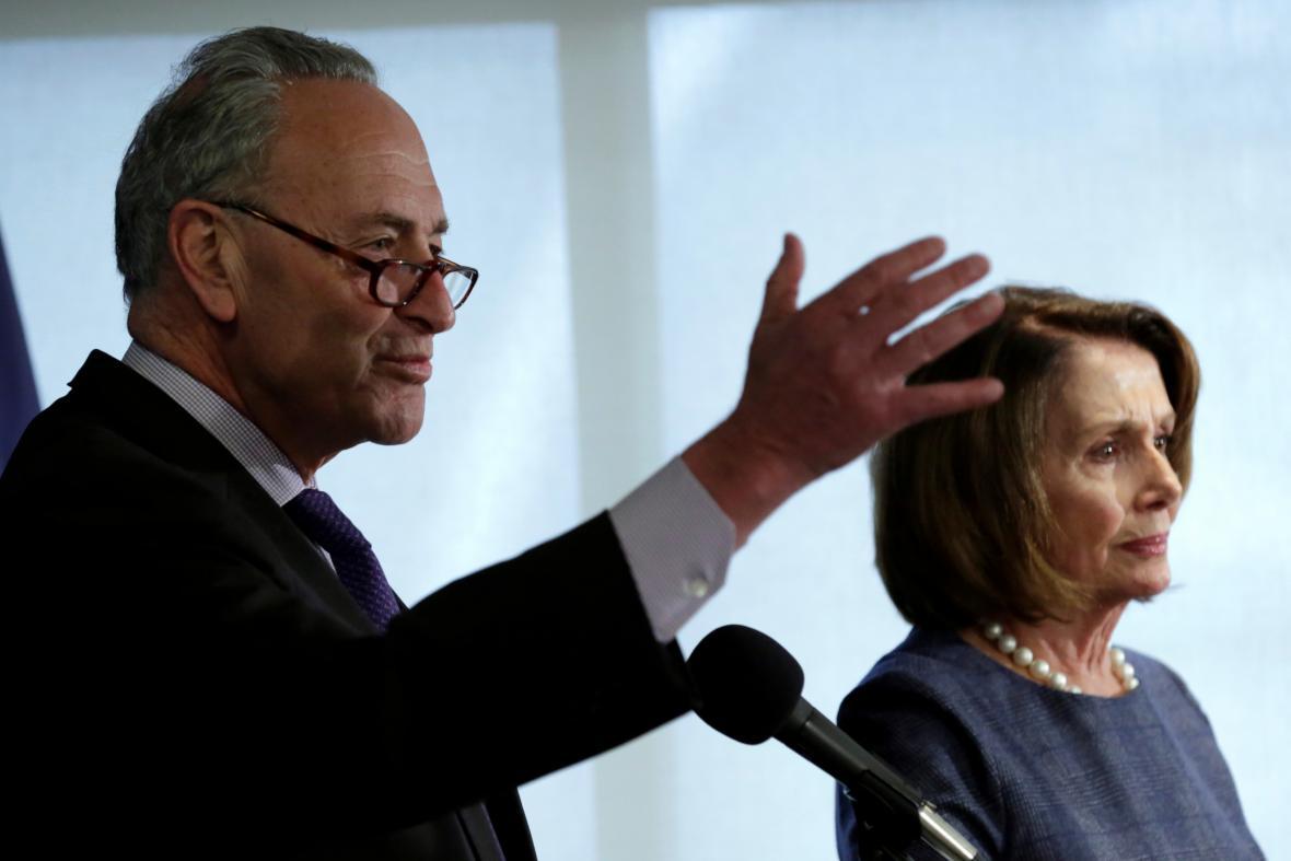 Chuck Schumer s Nancy Pelosiovou