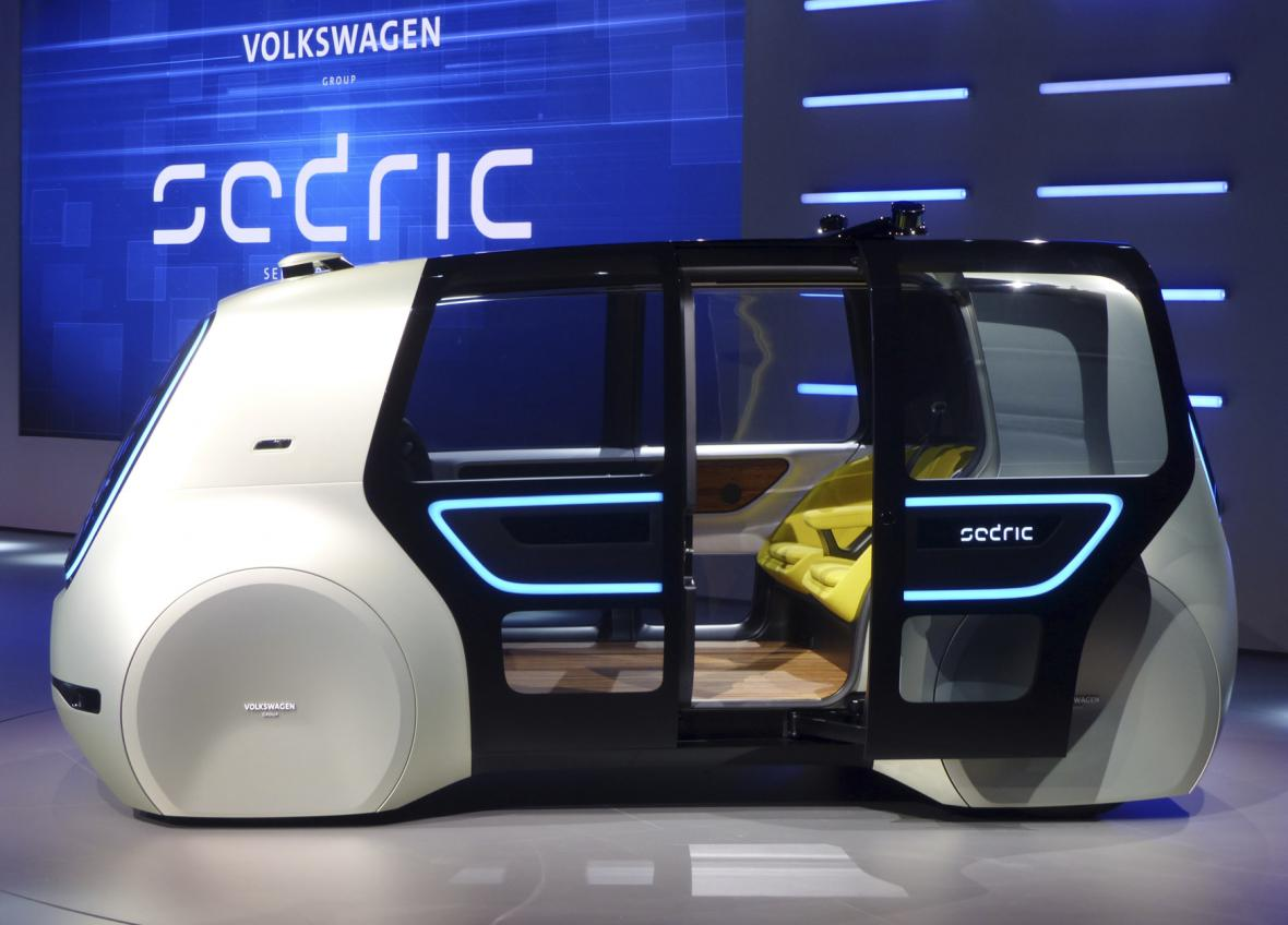 Koncept plně autonomně řízeného vozu Sedric