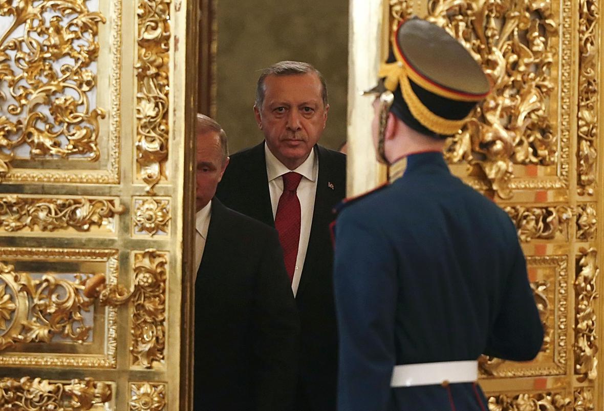 Putin a Erdogan při schůzce v Kremlu