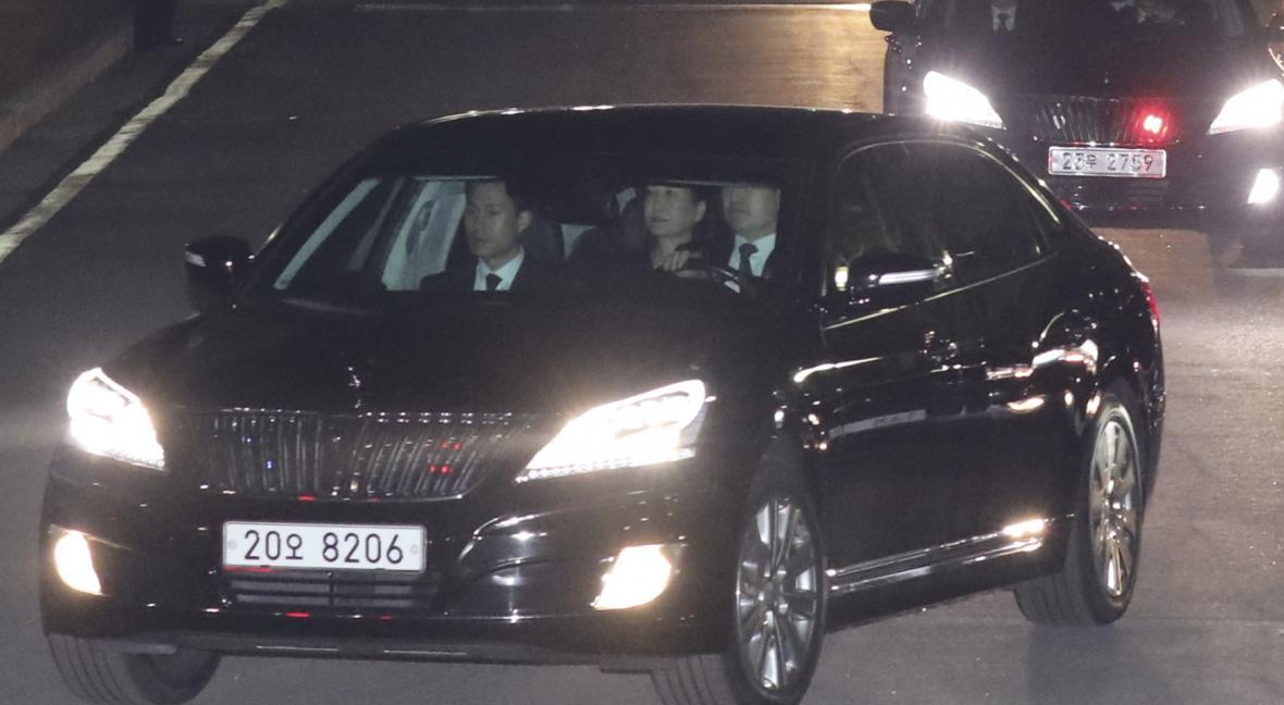 Exprezidentka Pak Kun-hje opouští prezidentský palác