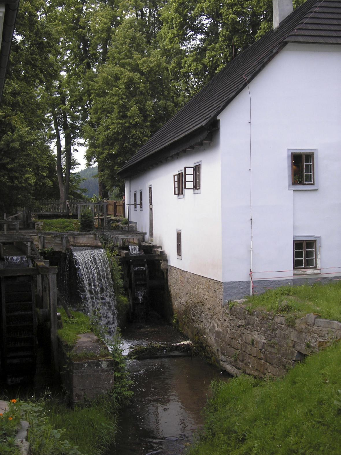 Náhon Rudrova mlýna v Babiččině údolí