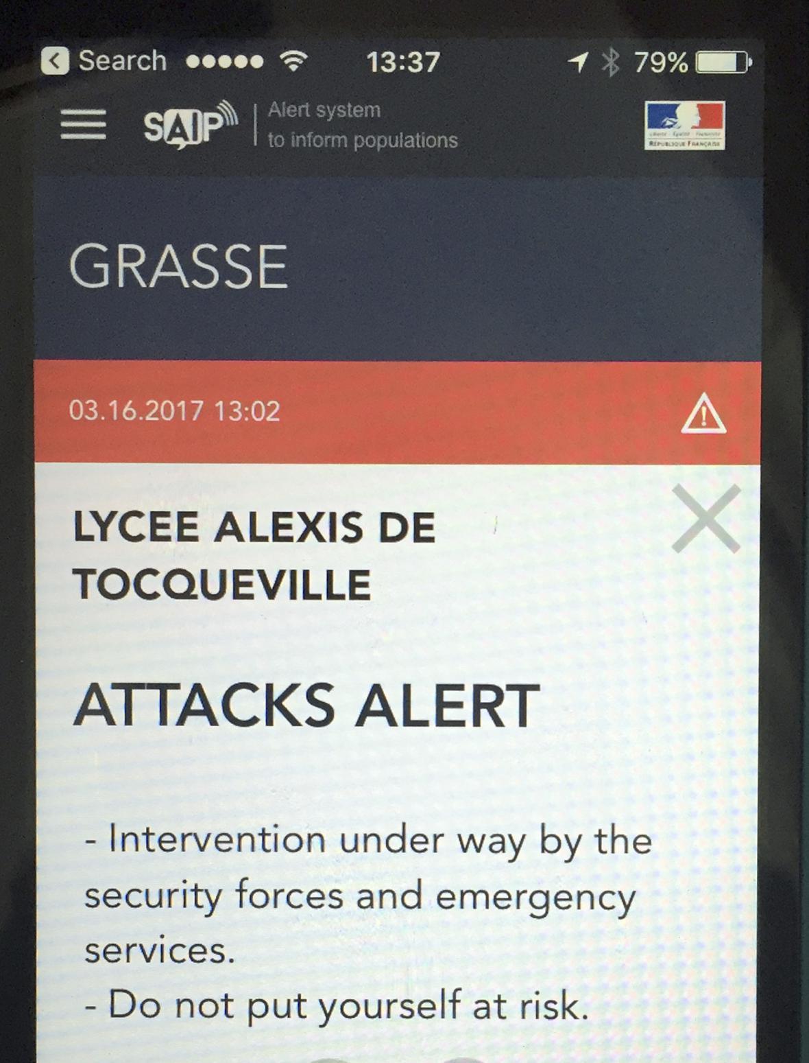 Francouzská policie vydala kvůli útoku v Grasse varování