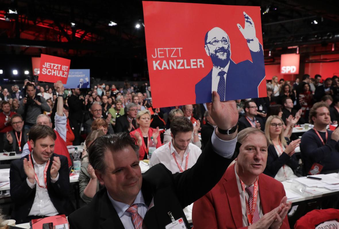 Delegátí mimořádného sjezdu SPD
