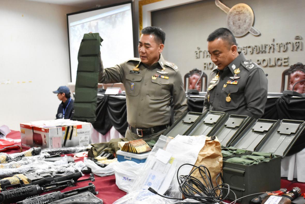 Zbraně a výstroj zajištěné thajskou policií