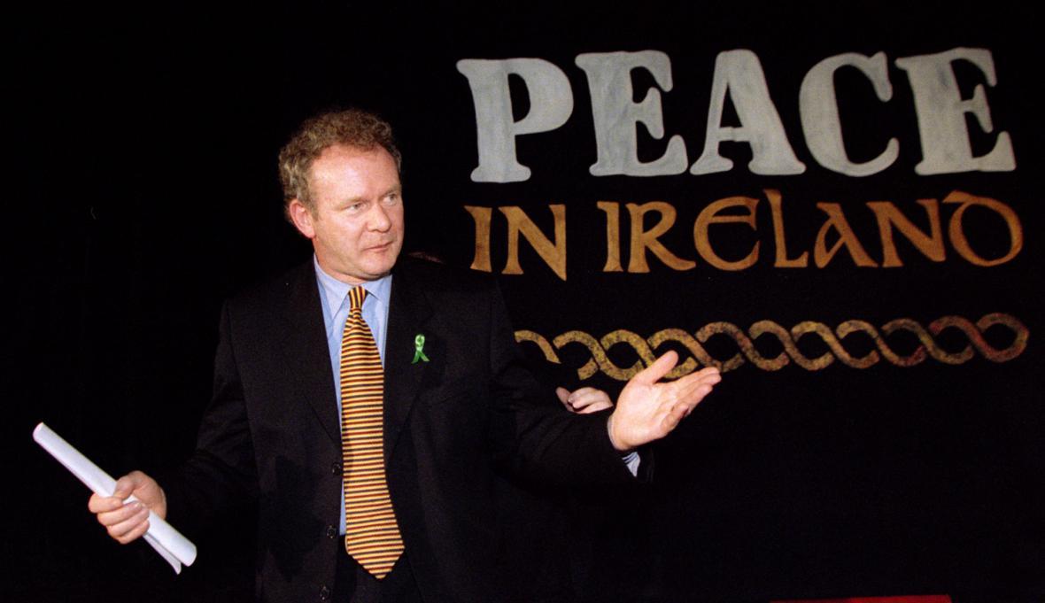 Martin McGuinness ako vyjednávač při mírovém procesu