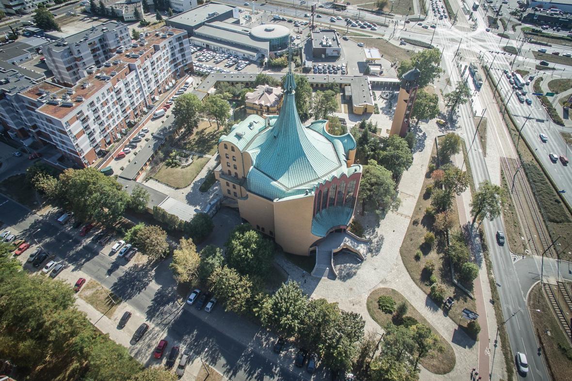 Kostel Ducha Svatého, Vratislav