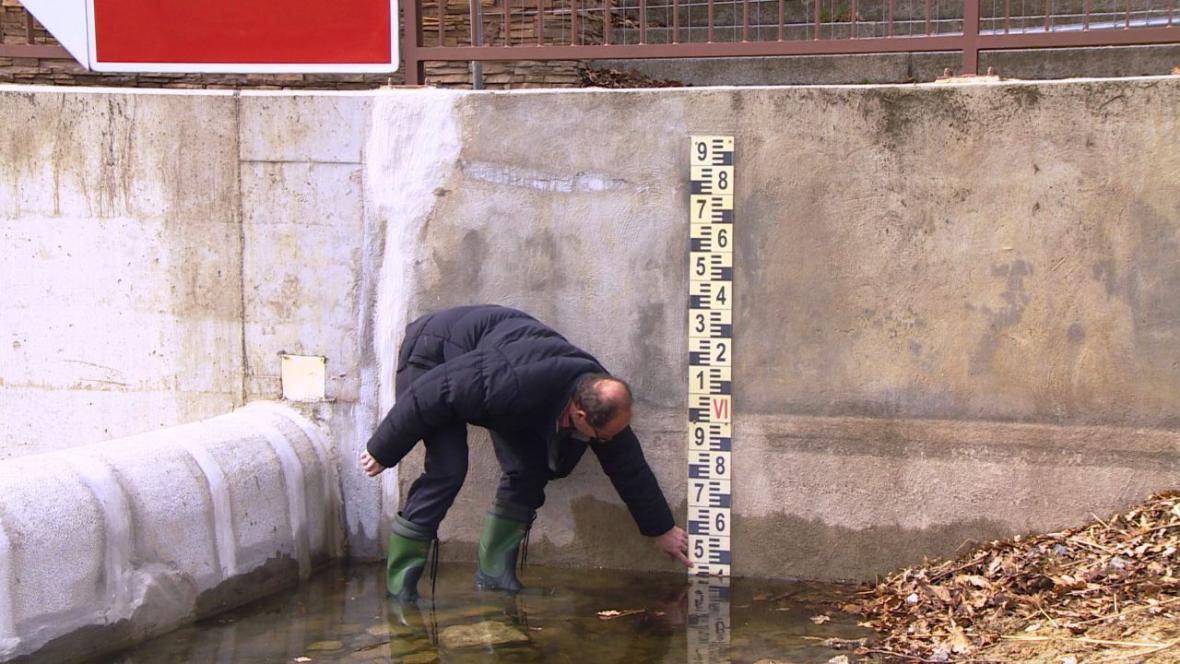Hladina jezera je 53 centimetrů pod provozní hladinou