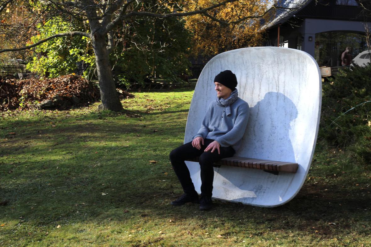 Eduard Herrmann / parková lavička Satellite (mmcité1