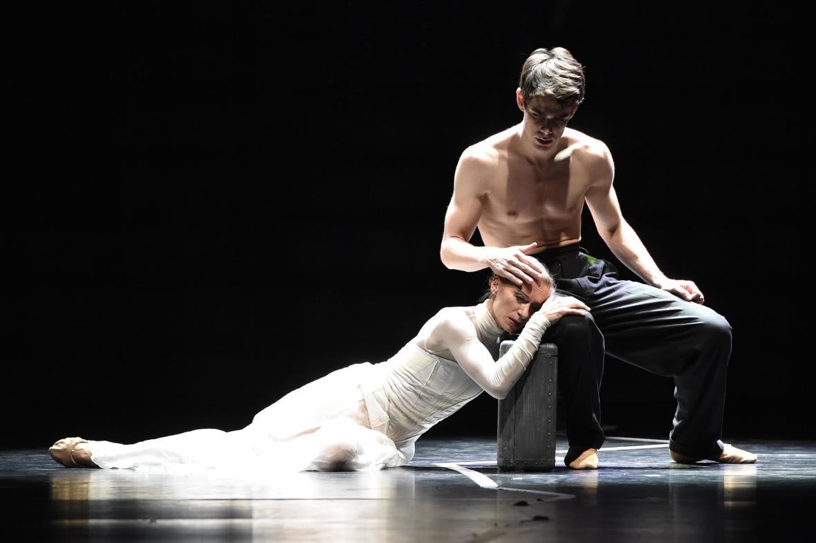 Ivona Jeličová s Arthurem Abramem v baletu Chvění