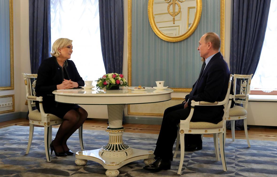 Marine Le Penová s Vladimirem Putinem