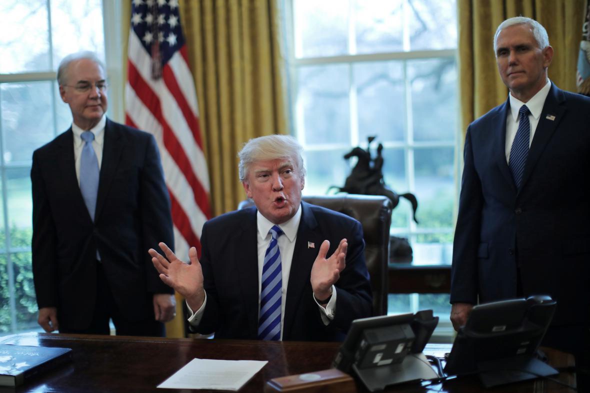 Donald Trump v Oválné pracovně