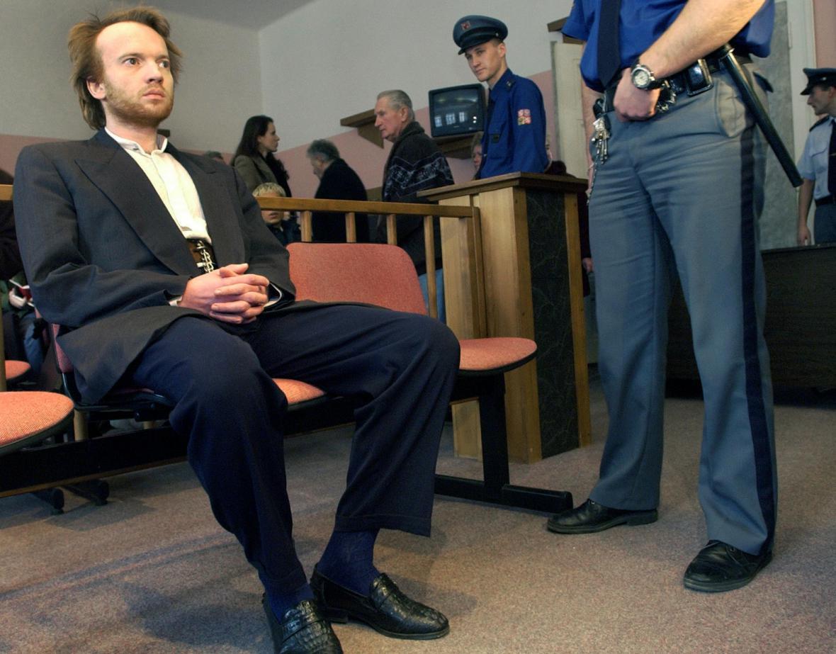 Martin Říha při přelíčení u Městského soudu v Praze v roce 2002.