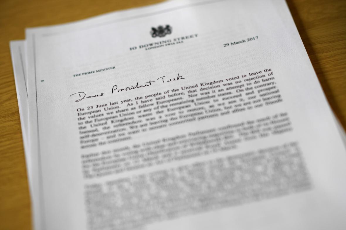 Dopis oznamující začátek brexitu
