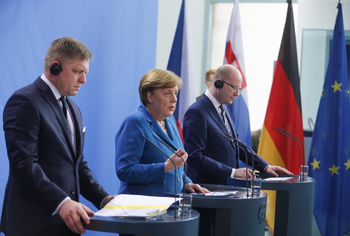 Merkelová, Fico a Sobotka po jednání v Berlíně