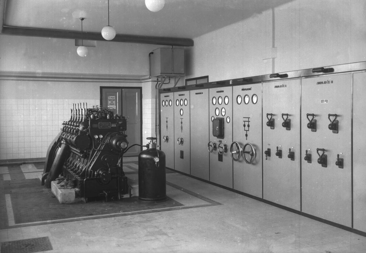 Elektircký rozvaděč na ruzyňském letišti (1937)