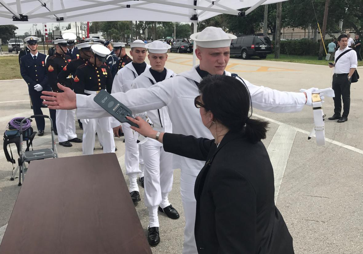 Kontroly před příletem prezidenta Si Ťin-pchinga na Floridu