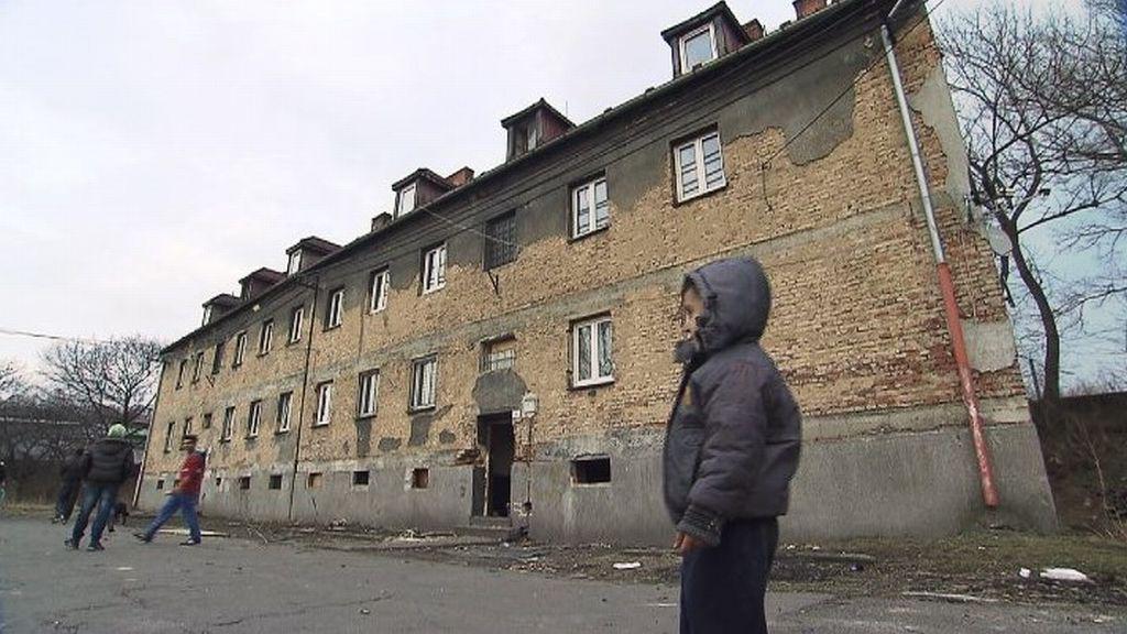 """""""Byty se prodaly soukromému vlastníkovi a na Riegrově ulici vznikla sociálně vyloučená lokalita,"""" říká náměstek primátora Ostravy Michal Mariánek"""