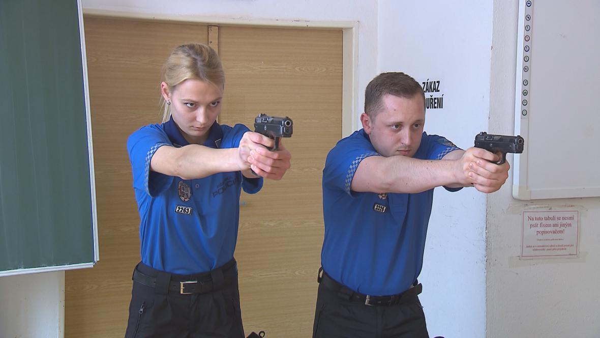 Uchazeči o práci u policie