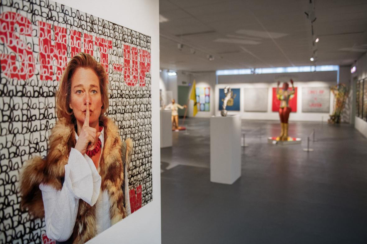 Výstava Boëlové Nikdy to nevzdat získal díky kauze značnou reklamu