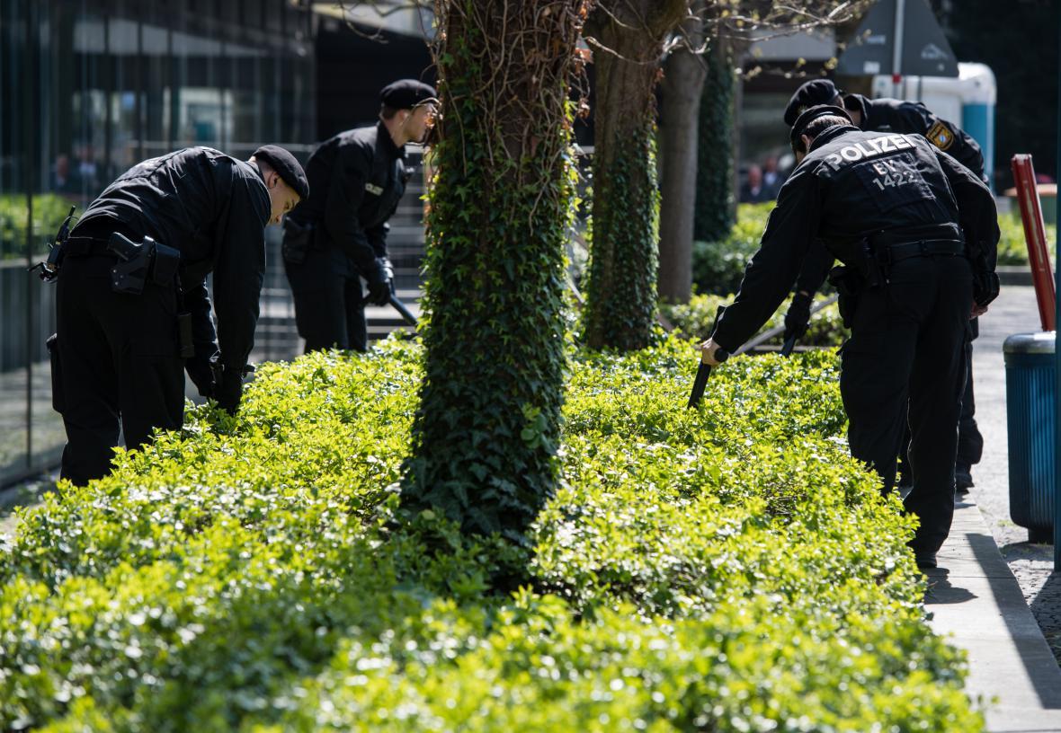 Mnichovská policie kontroluje křoví v okolí hotelu hráčů Realu Madrid