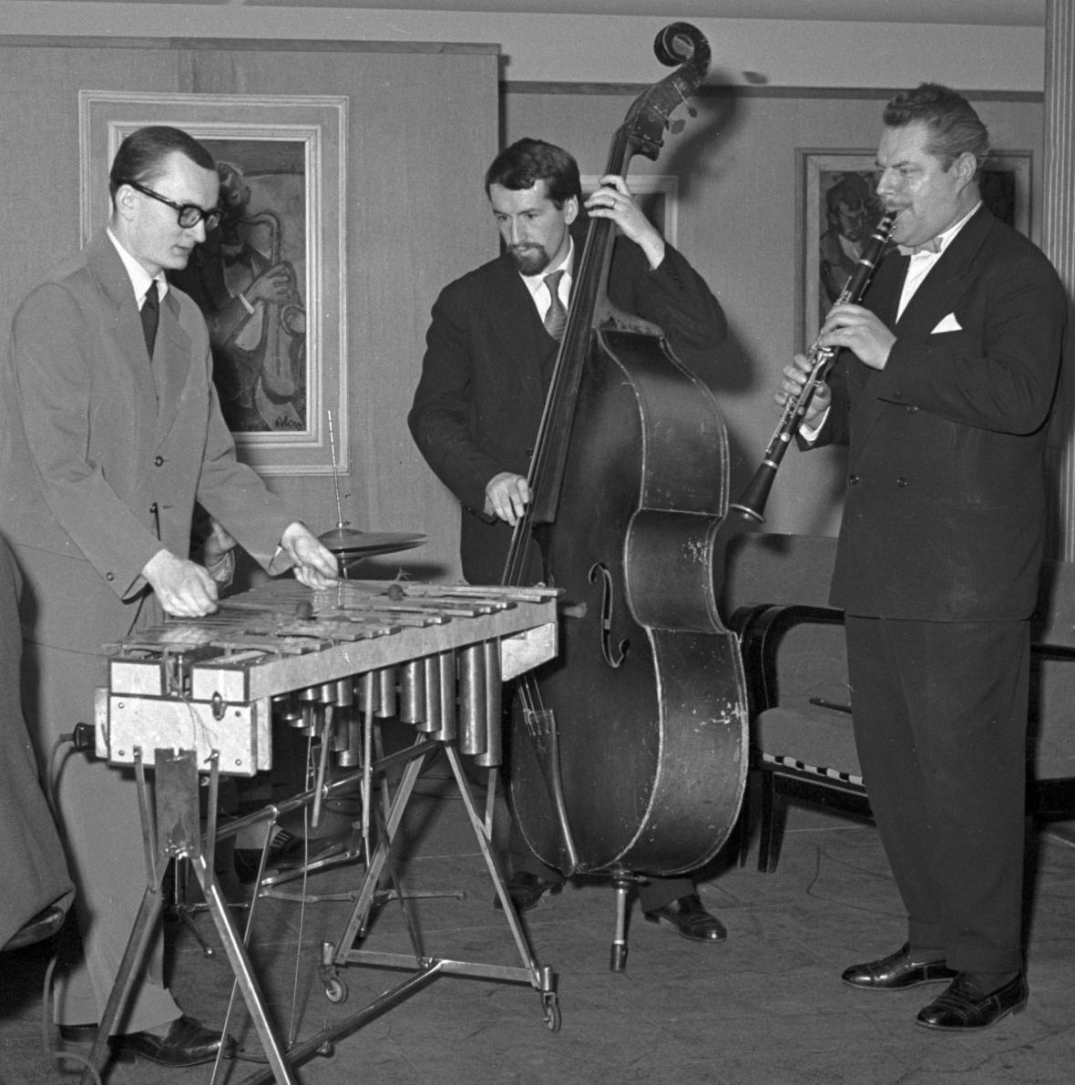 Karel Velebný, Luděk Hulan a Karel Krautgartner (1958)