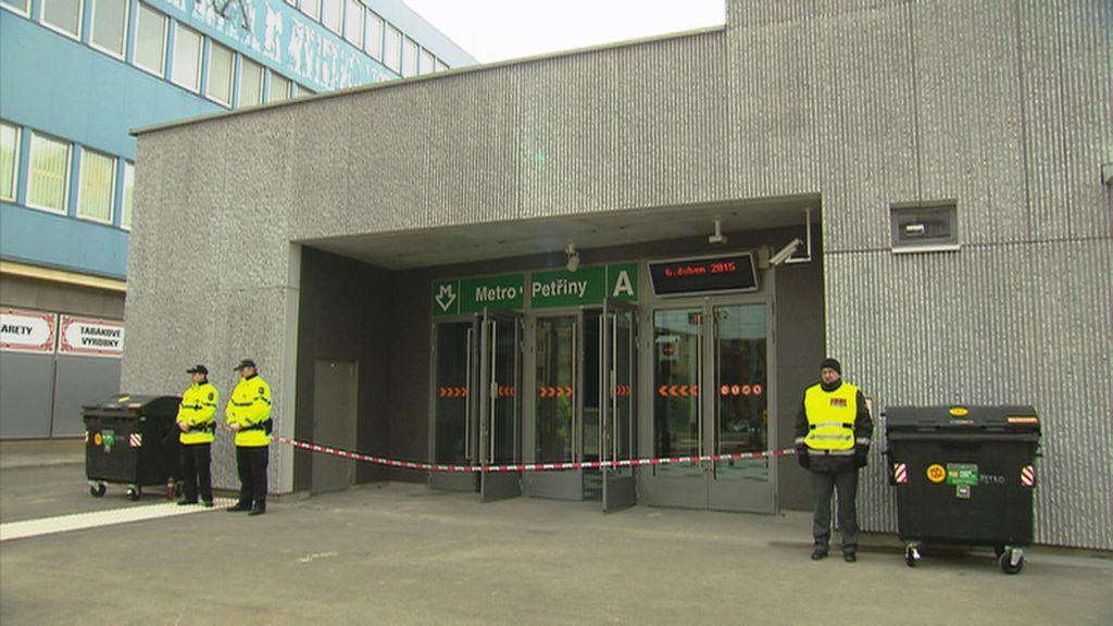 Metro A zastavil mezi Dejvickou a Petřinami nález zavazadla