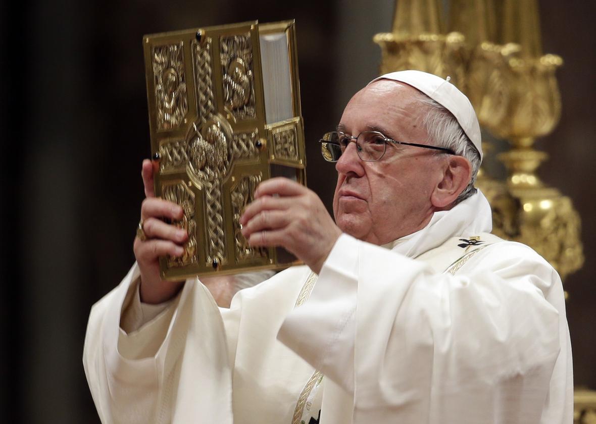 Papež František během velikonoční vigilie