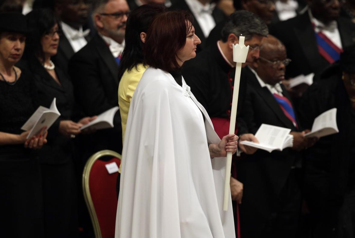 Češka Taťána Čempelová na velikonoční vigilii ve Vatikánu
