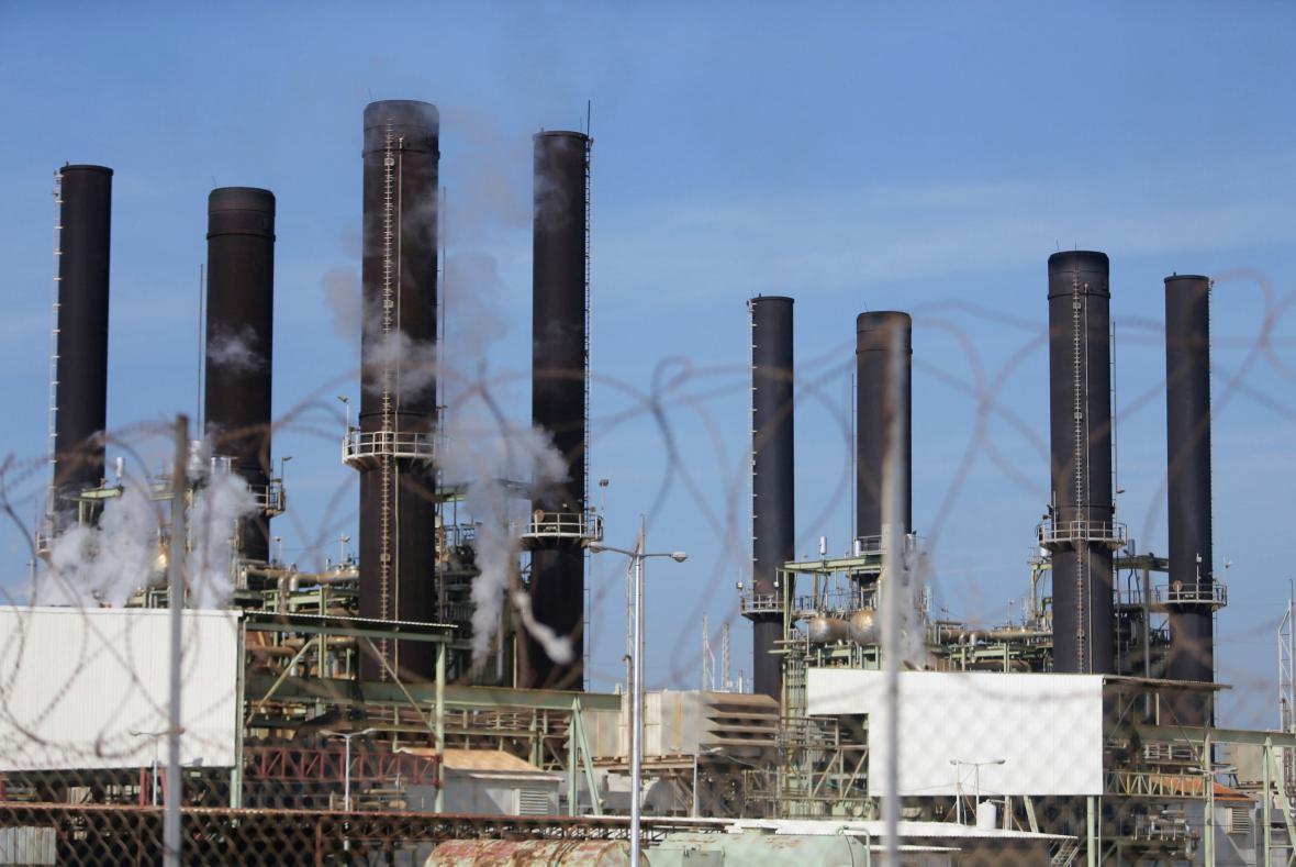 Jediná elektrárna v Gaze fungovala čtvrt roku díky palivu ze zahraničí