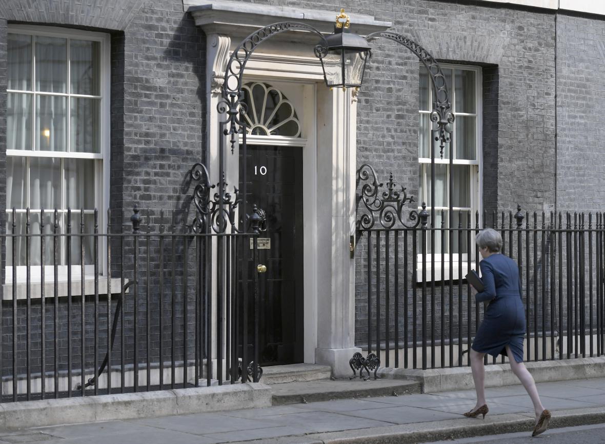 Volby mají podle Mayové vyjasnit pozici vlády před vyjednáváním o brexitu
