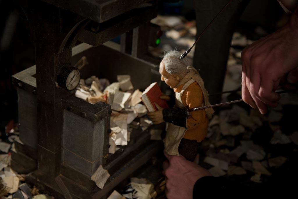 Natáčení loutkového filmu Příliš hlučná samota