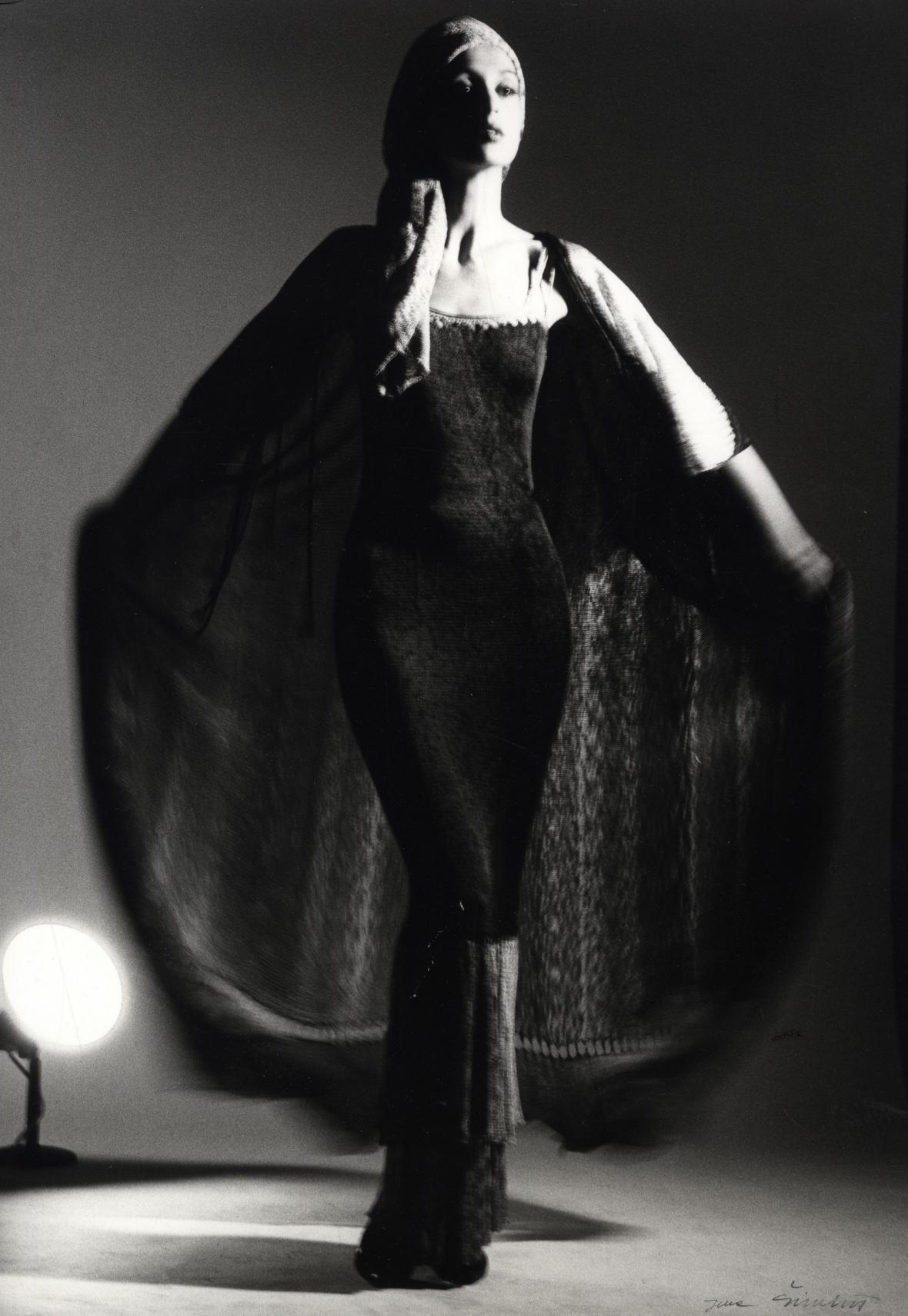 Jena Šimková: Společenský oděv Michaely Klimanové-Trizuljakové. 1985