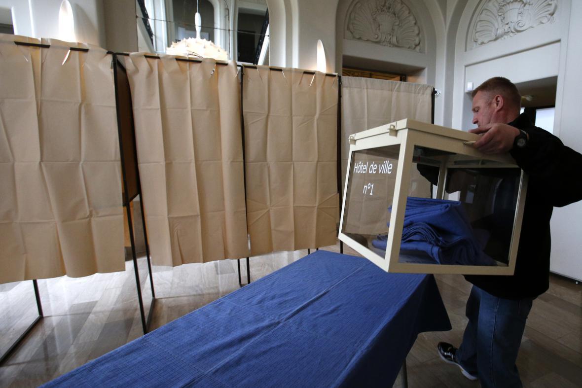 Příprava volebních místností