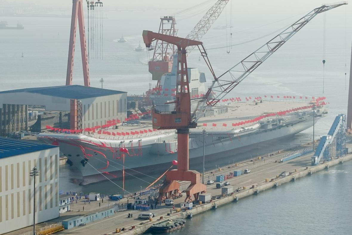 Čína představila novou letadlovou loď