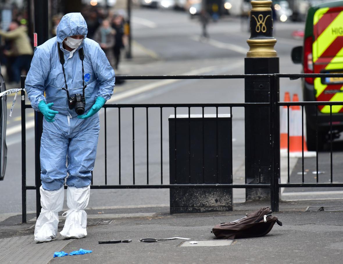 Policie nad noži, které měl u sebe podezřelý muž