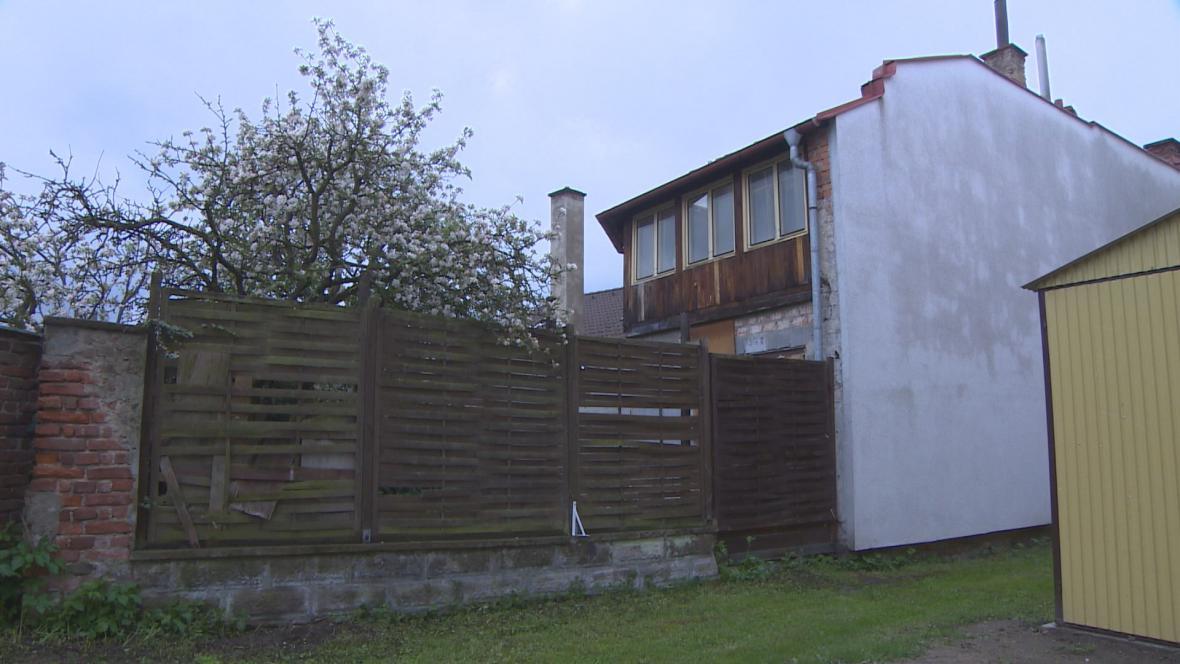 Dům v Týništi nad Orlicí, který město koupilo od bývalého zastupitele