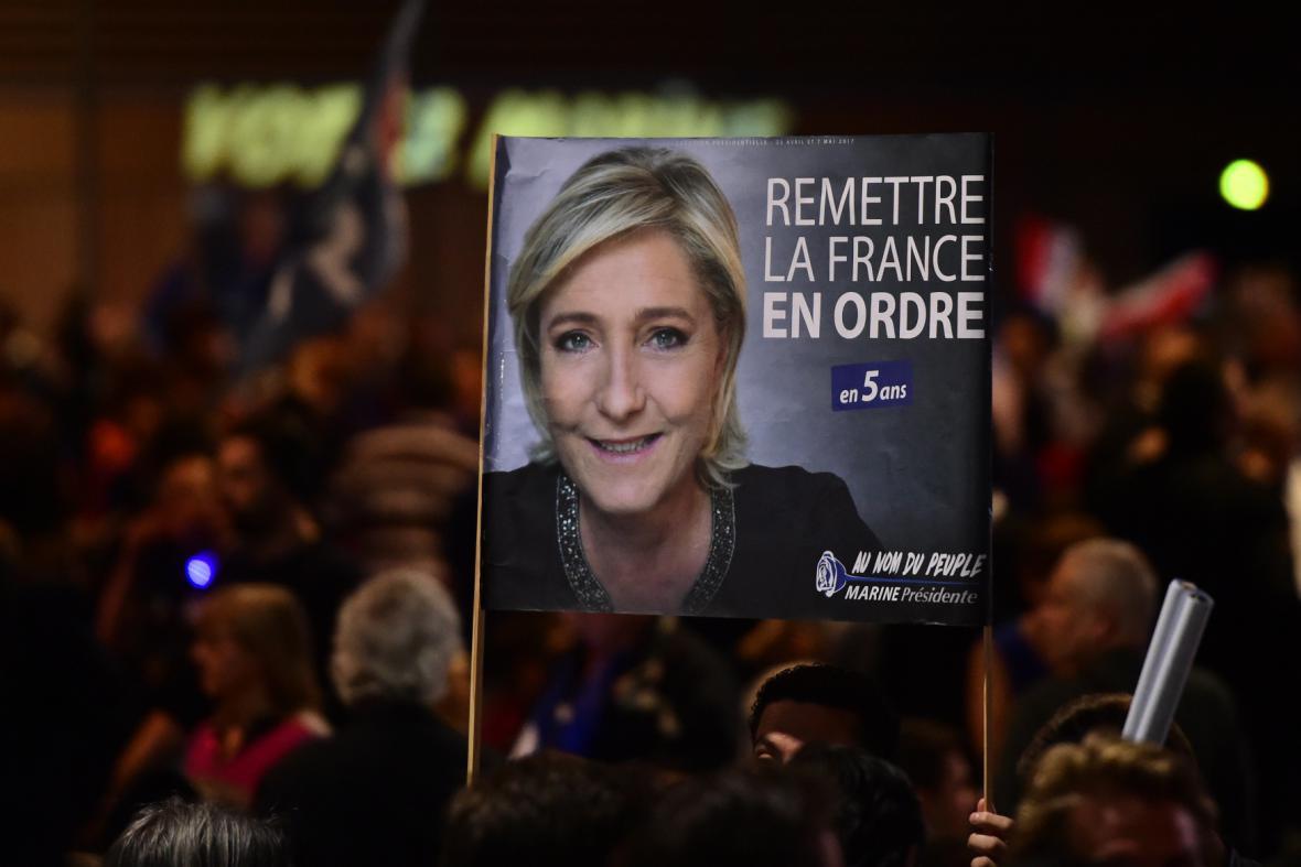 Shromáždění příznivců Marine Le Penové