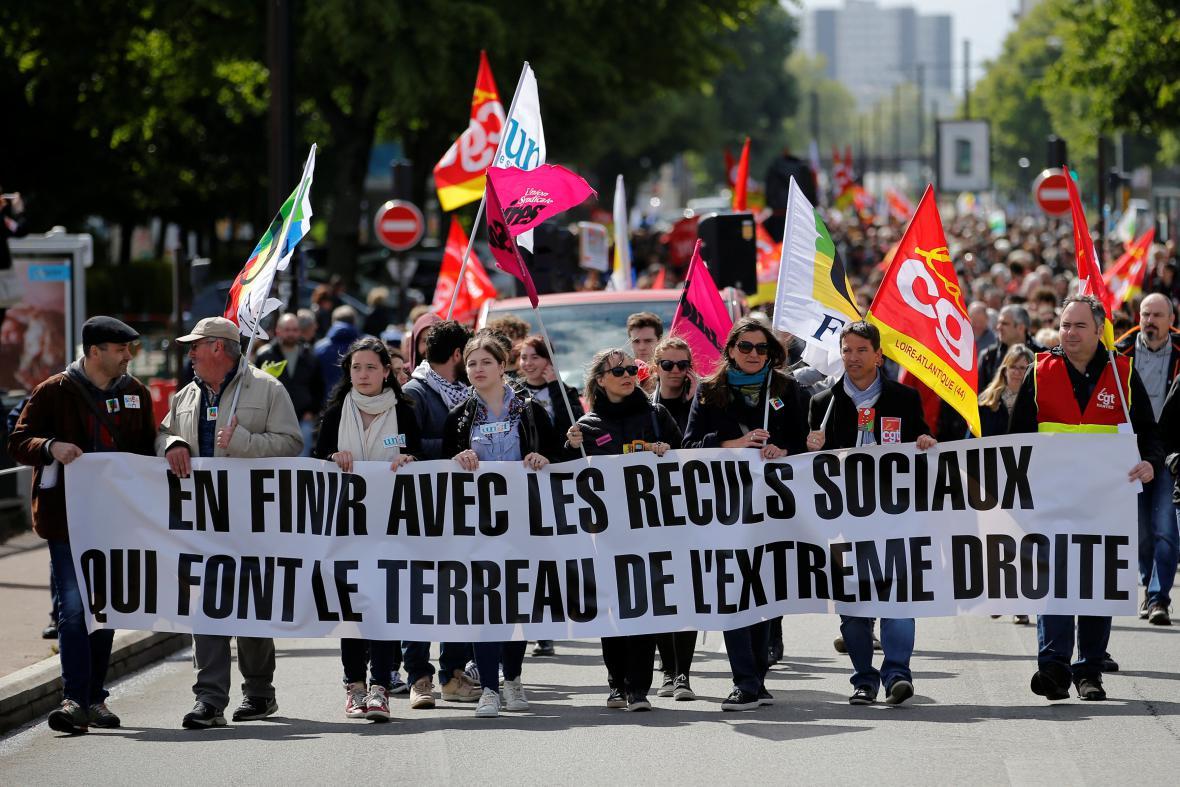 Demonstranti v Nantes