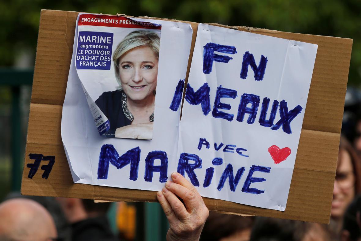 Stoupenec Marine Le Penové
