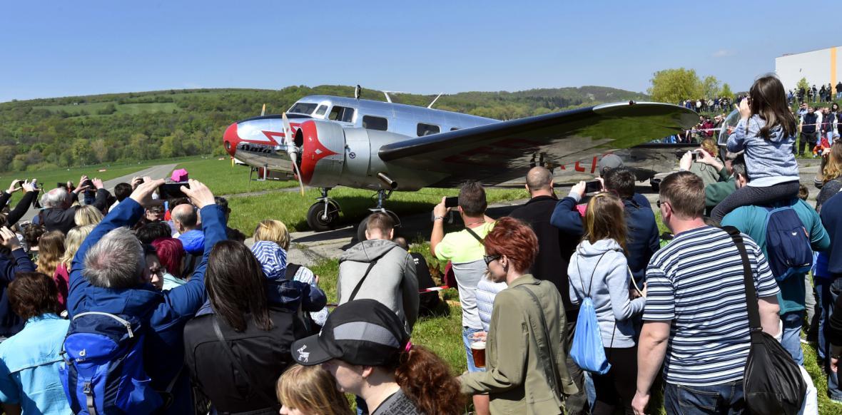 Lidé ve Zlíně si mohli prohlédnout Baťovo letadlo