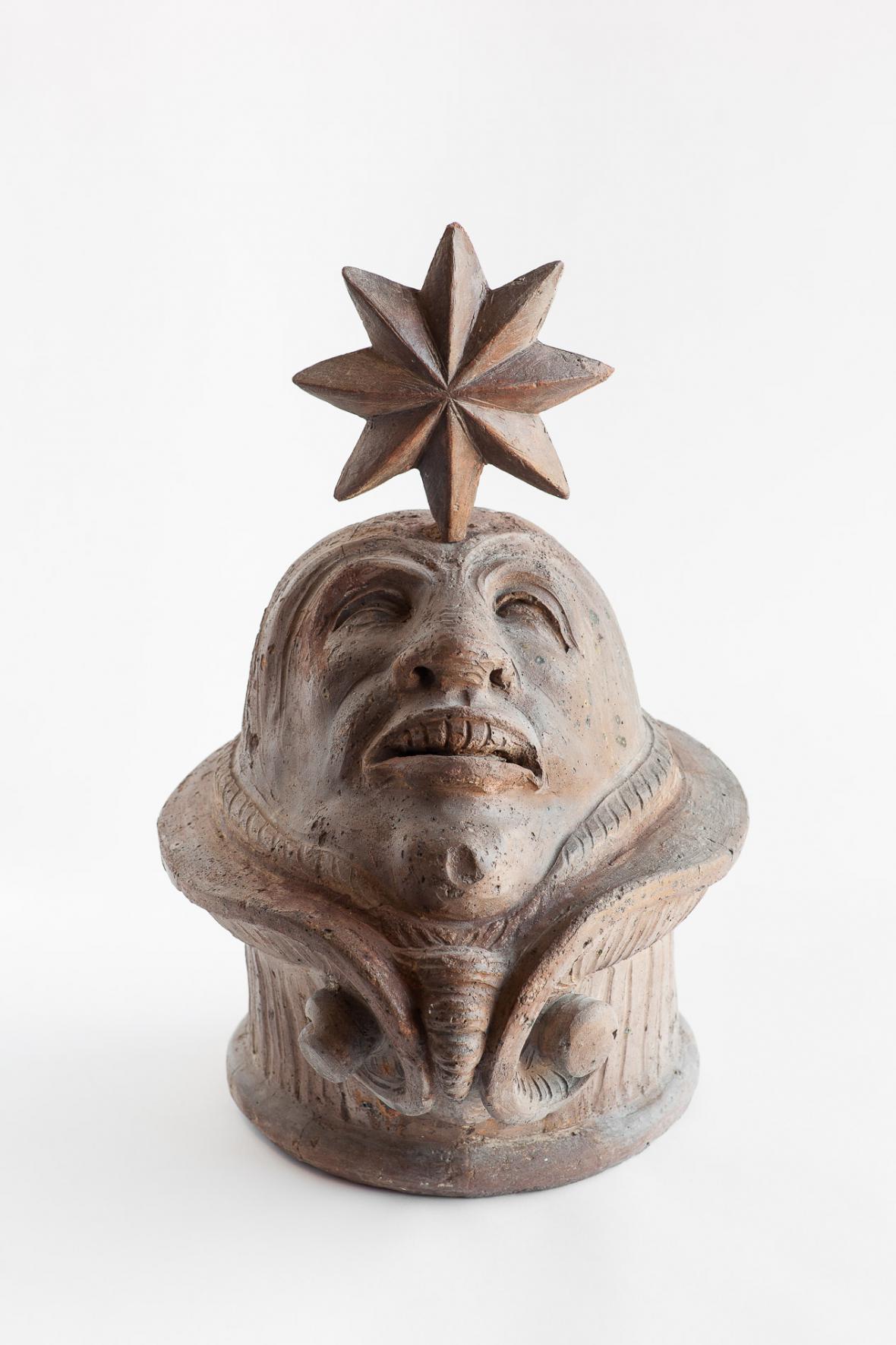 Vrchlík vázy se šternberskou hvězdou