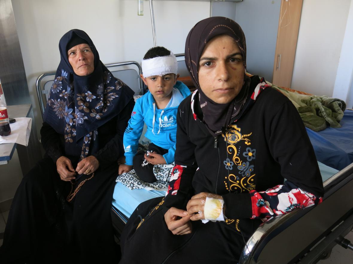 Po útoku na uprchlíky u syrského Aleppa zemřelo 80 dětí a 46 dospělých, další byli zraněni