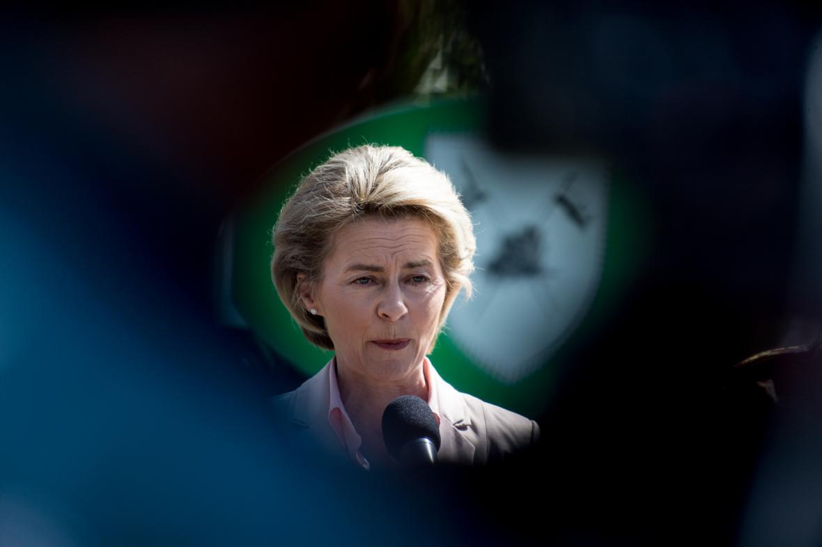 Něnecká ministryně obrany Ursula von der Leyenová