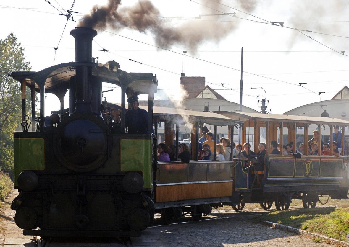 Parní tramvaj