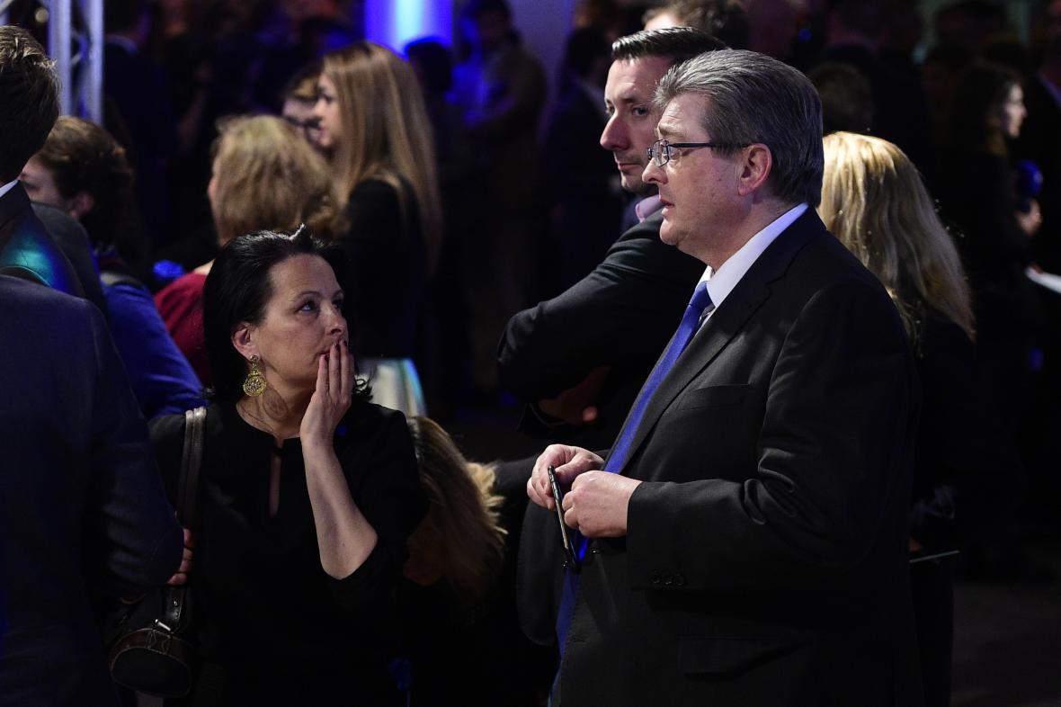 Zklamání příznivců Marine Le Penové po oznámení výsledků