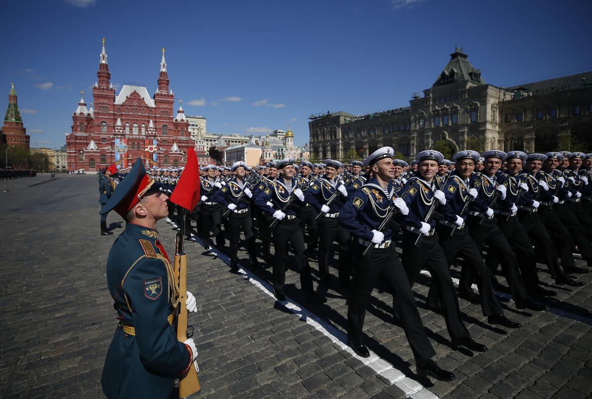 Nácvik před oslavami Dne vítězství, které připomínají konec druhé světové války